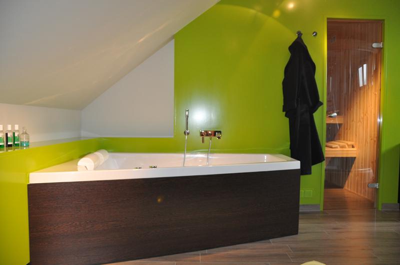 HCG ltd. - Realisaties - Badkamer en sauna inrichting - Badkamer met ...